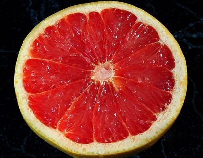 halbierte Grapefruit © Flickr / Zanastardust
