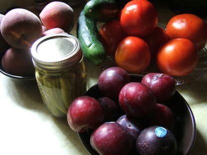 Jeder sollte Obst und Gemüse immer Griffbereit haben. Auch Tiefkühlwaren und Konserven sind in Ordnung!
