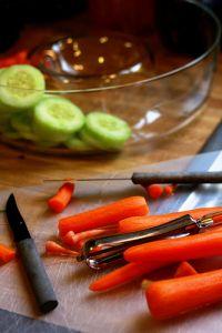 Zubereitung eines Salats © Flickr / pg! ~