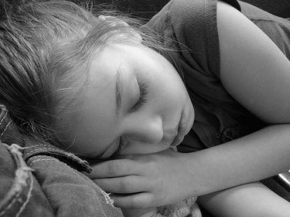 Schlafendes Mädchen © Flickr / Tina Keller