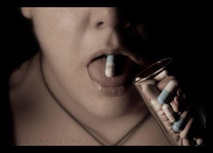 Tablettenkonsum © flickr / ephotography