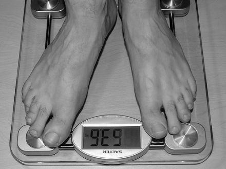 Eine Gewichtsreduktion wird durch den Vitamin-D-Gehalt im Körper unterstützt. © Flickr / JasonRogersFooDogGiraffeBee