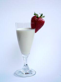 Das Trinken von Milch ist besonders Kindern zu empfehlen. © Monika Tugcu / PIXELIO