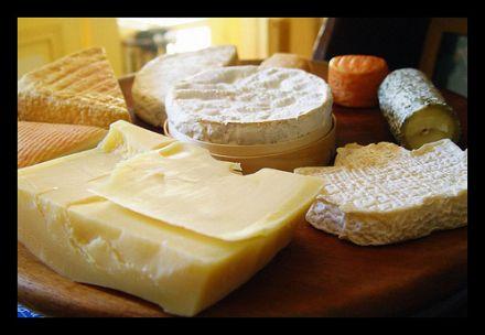 Harzer gehört auf jede gute Käseplatte © Flickr / cwbuecheler