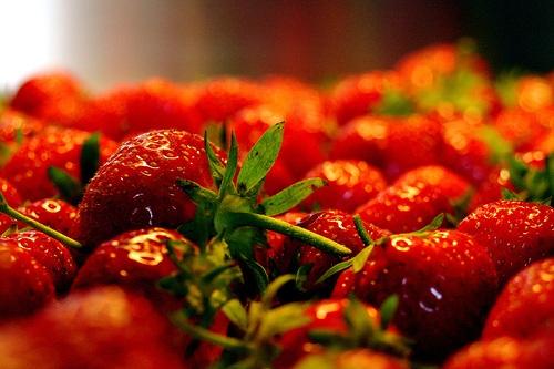 buchweizentorte mit erdbeeren wenig kalorien voller genuss kein fastfood. Black Bedroom Furniture Sets. Home Design Ideas