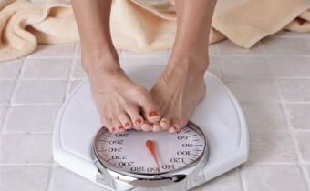 Woman dieting, Diät, Waage