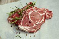 Geschmacksfrage: Gibt's Fleisch in Metzgerqualität auch beim Discounter?